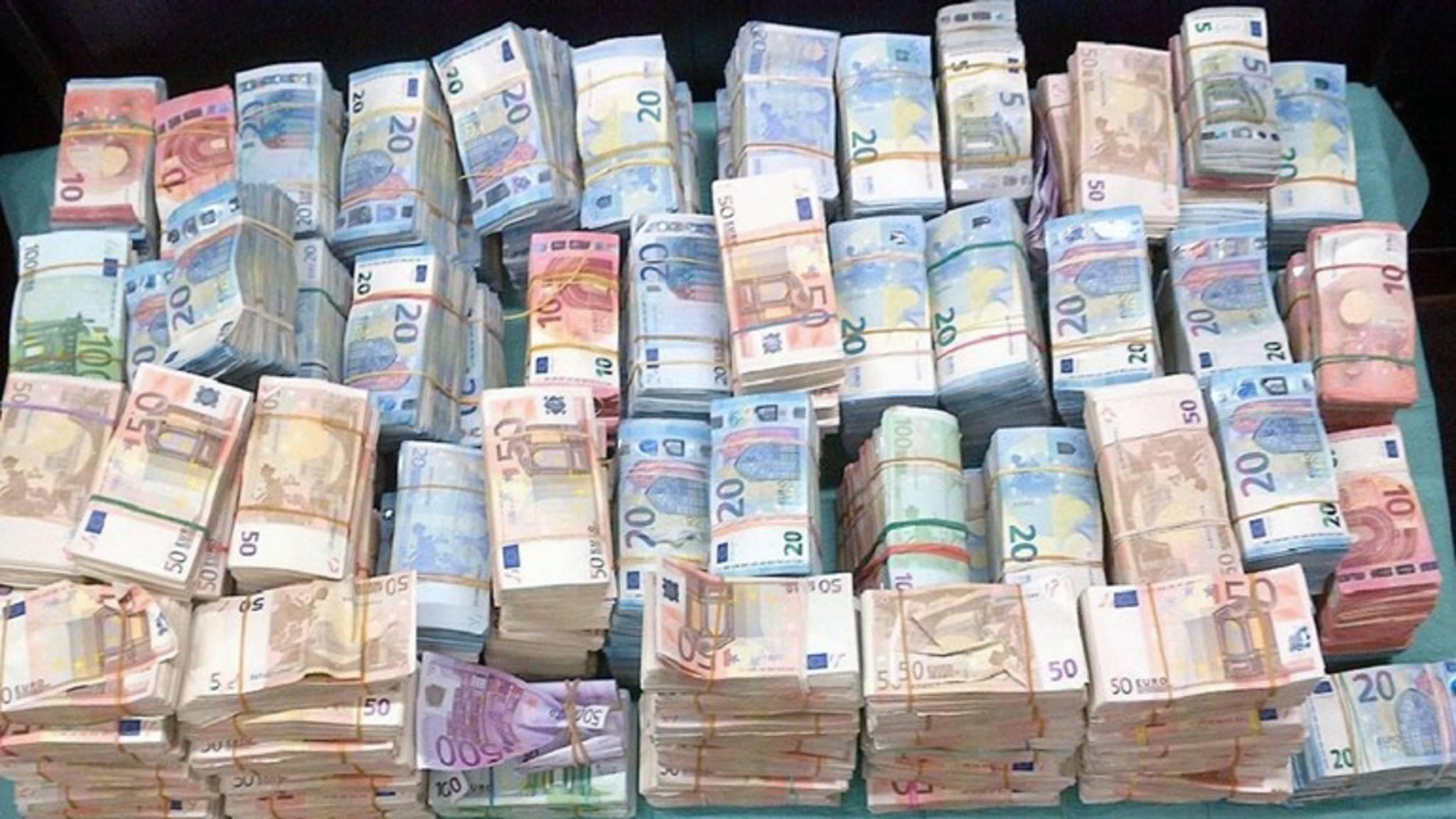 urgente.finanza.italia@gmail.com